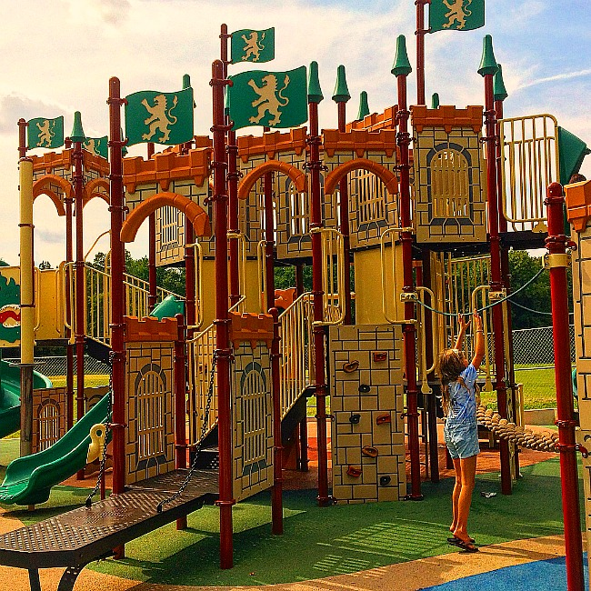 king and queen playground